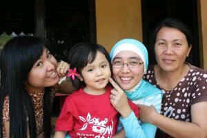 Angie, Alaya, Nike dan Mama